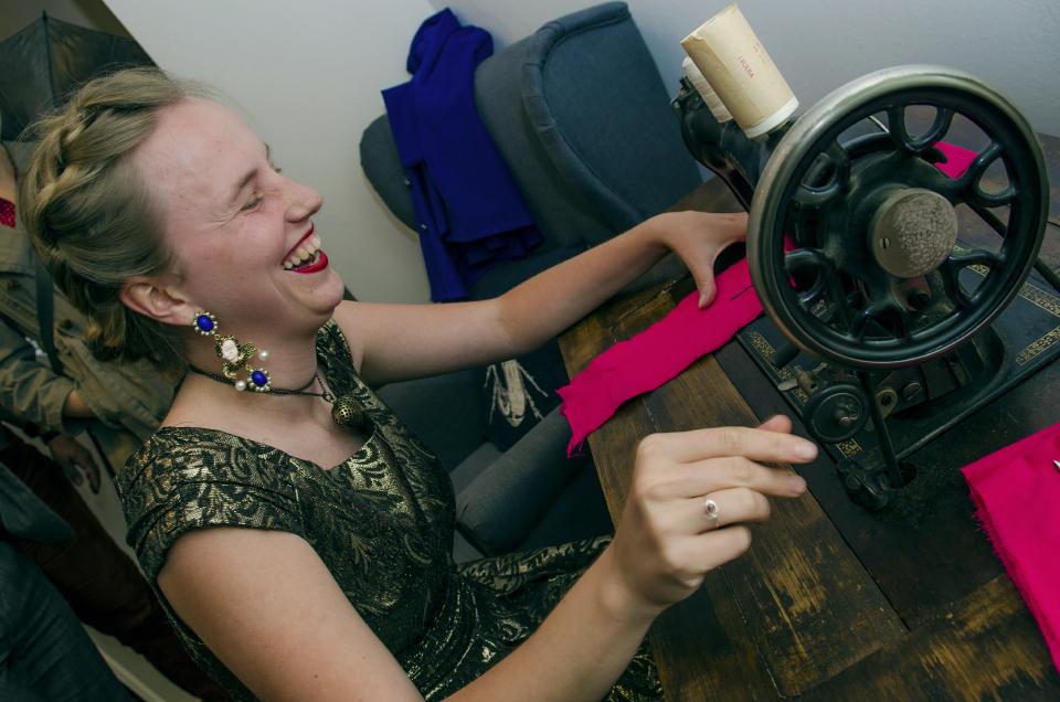 soutěž v šití na šlapacím stroji